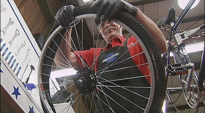 Program trains veterans to work as bicycle mechanics