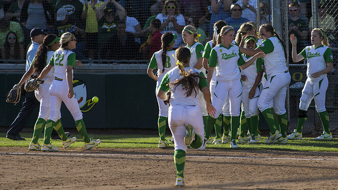 Ducks beat Utah Valley 12-1 (11)