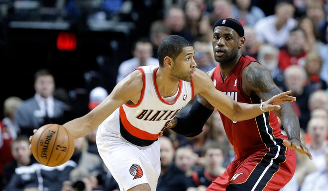 Blazers rally to burn the Heat, 92-90