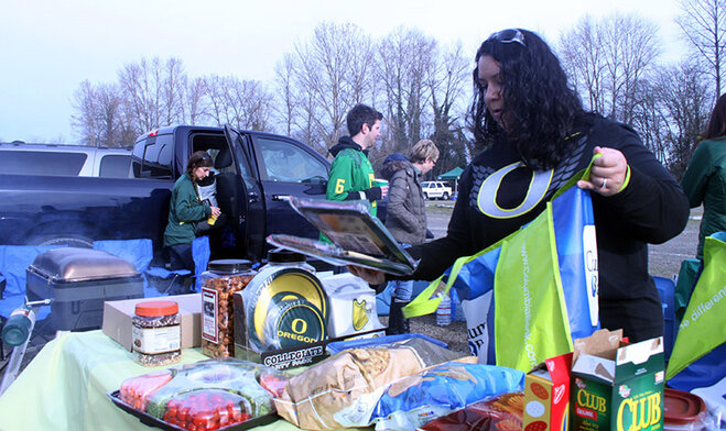 Oregon Civil War tailgate at Autzen 2013 (11)