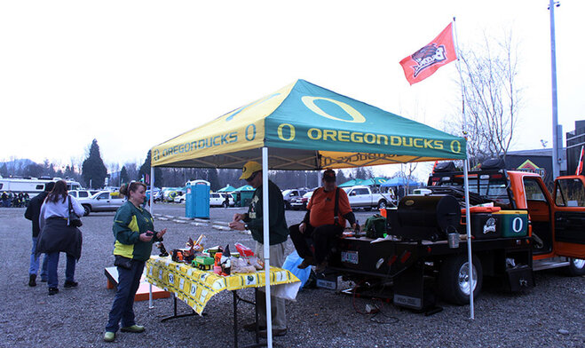 Oregon Civil War tailgate at Autzen 2013 (8)