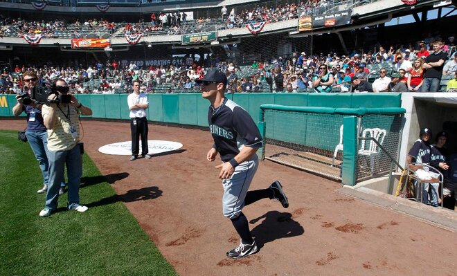 Bay makes Mariners roster, Wells odd man out
