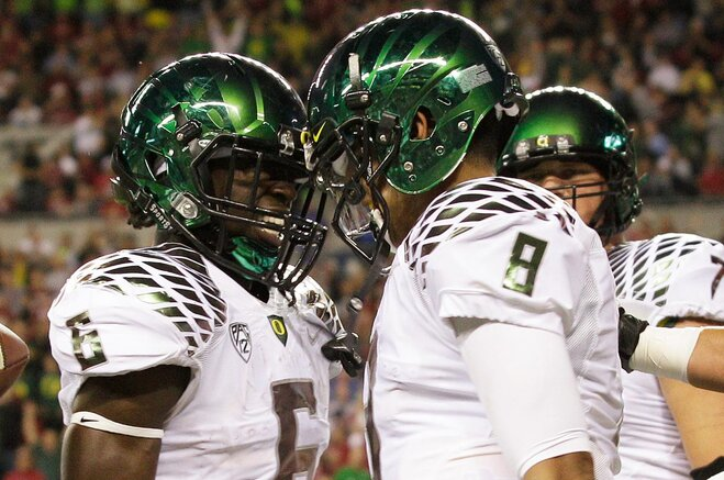 AP Top 25: Ducks remain No. 2, Beavs up to No. 14