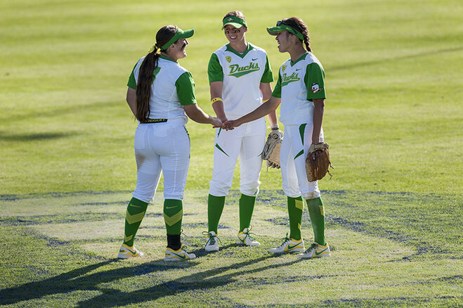 Ducks beat Utah Valley 12-1 (4)