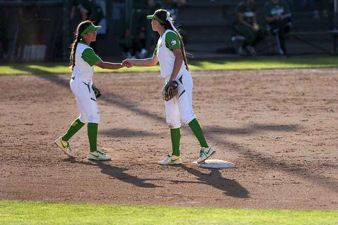Ducks beat Utah Valley 12-1 (6)