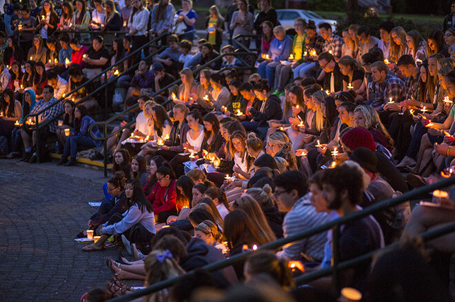Vigil at Oregon honors students killed at UC Santa Barbara