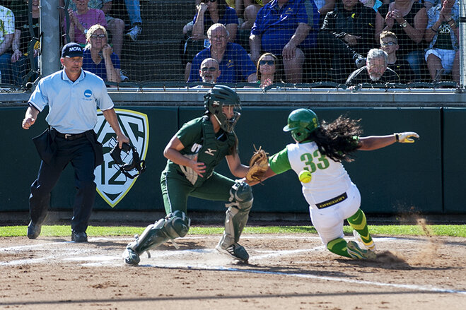 Ducks beat Utah Valley 12-1 (1)