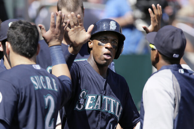 Young, Mariners take down Tigers 8-1