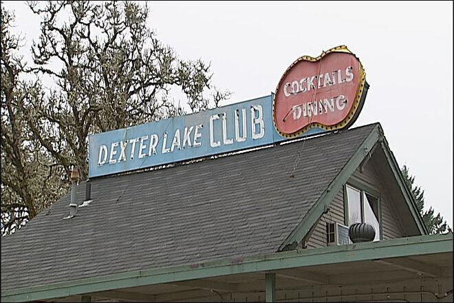 Dexter Lake Club sign