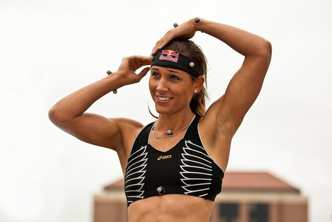 SR_Lolo Jones prepares for motion capture