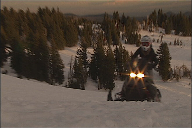 Snowmobiling in Central Oregon (1)