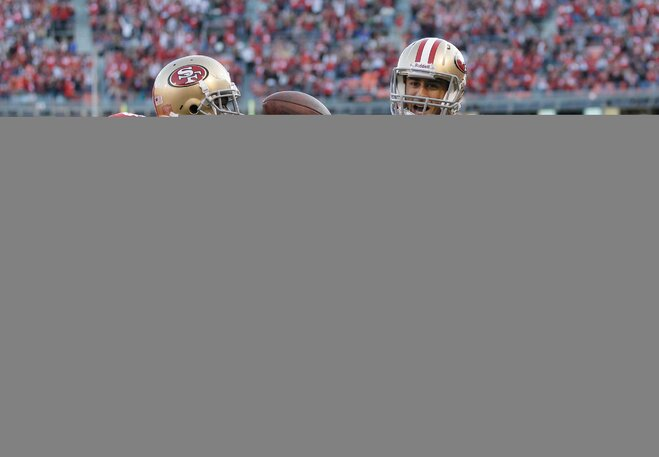 Gore, Kaepernick lead 49ers past Dolphins 27-13