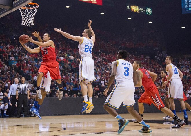 Pac-12 Tournament: UCLA defeats Arizona, will meet Oregon for title