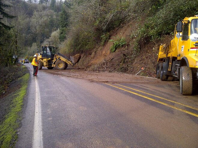 Landslide disrupt travel in Lincoln County, Oregon
