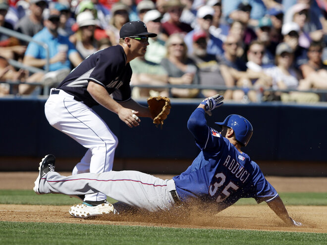 Mariners rally late to beat Rangers 9-8