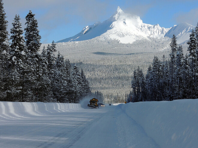 Snowplow near Mt. Thielsen - Gary Leaming