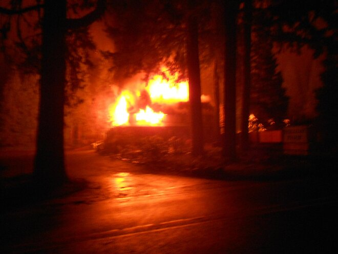 Fire burns building at Holiday Farm Resort April 2