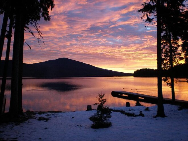 Odell Lake at dawn by Gary Leaming