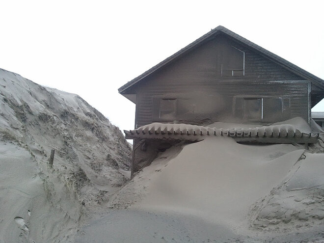Waldport buried in sand by January 2012 storm (3)
