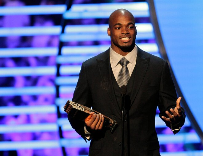 Peterson double winner of AP NFL awards