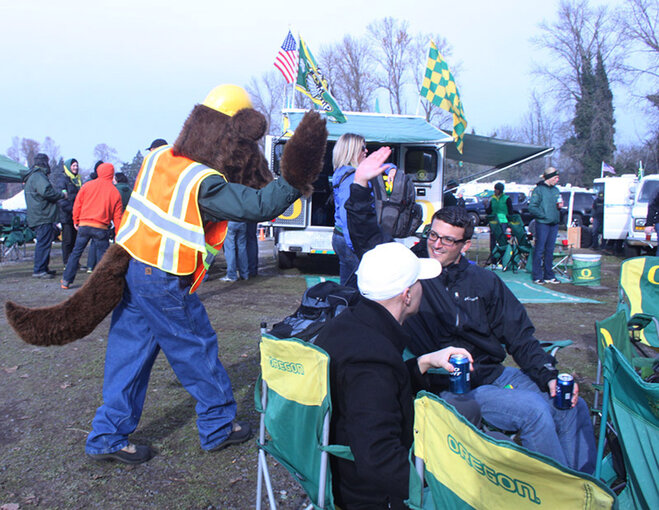 Oregon Civil War tailgate at Autzen 2013 (12)