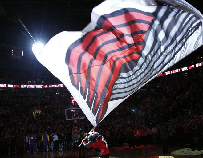 It's Showtime: Blazers Beat LA in season opener