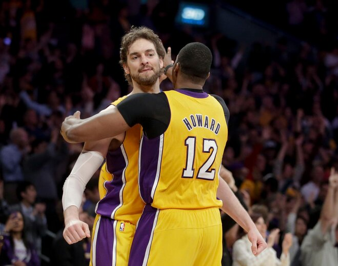 Lakers get No. 7 seed; Anthony wins scoring title