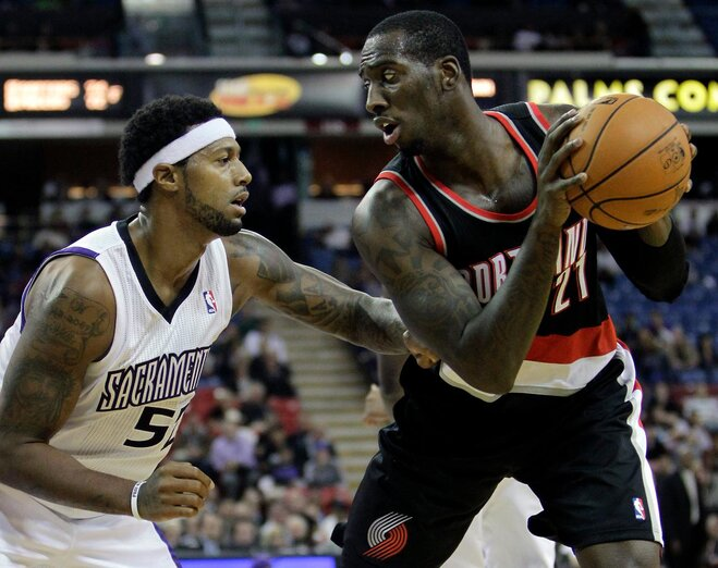 Blazers end 4-game slide, defeat Kings