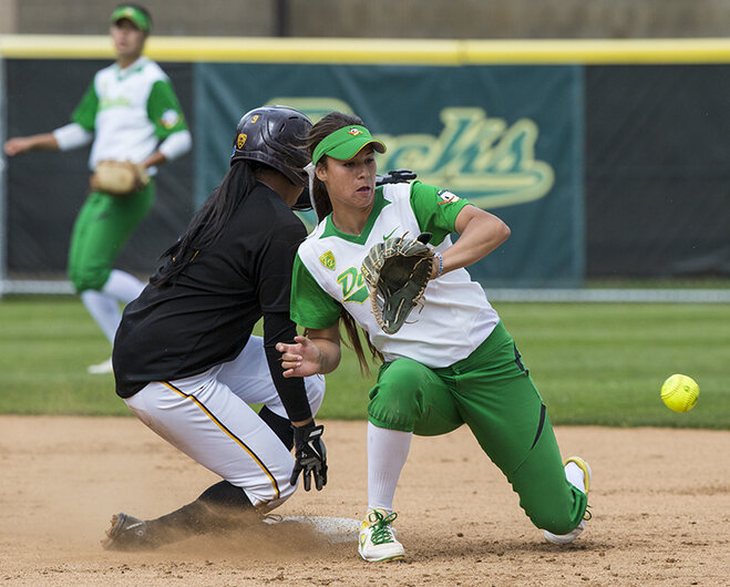 Ducks tie ASU, 2-2 in series closer: 'Not used to that in softball'