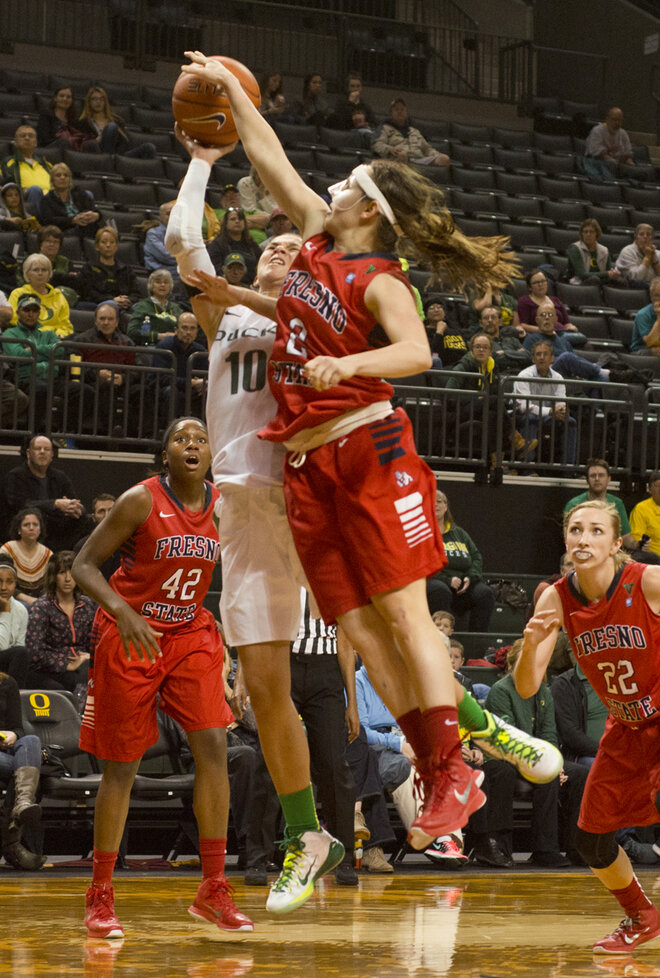 Alleyne sets Pac-12 record, but Oregon falls to Fresno State