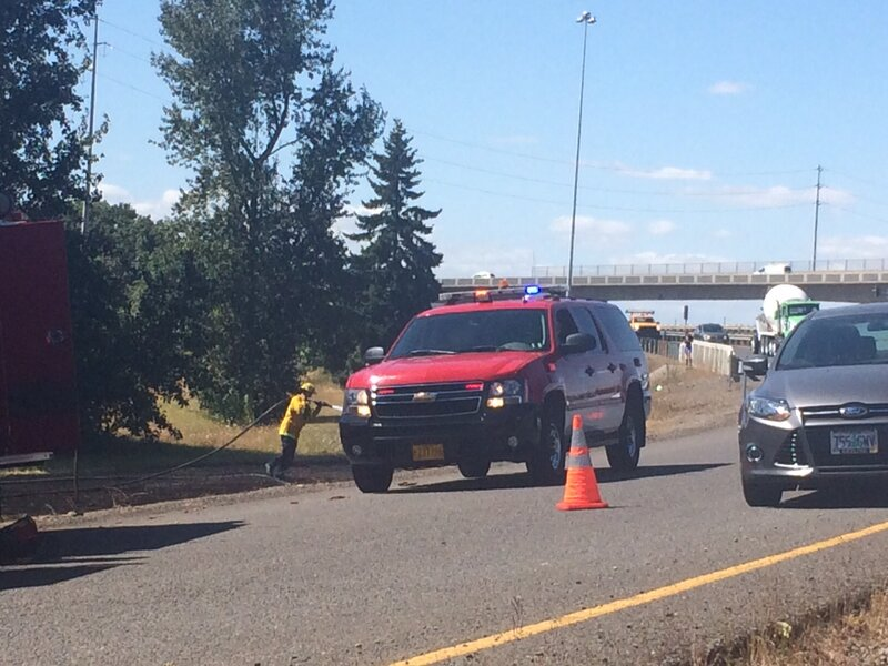 Grass fire disrupts traffic at Beltline and I-5