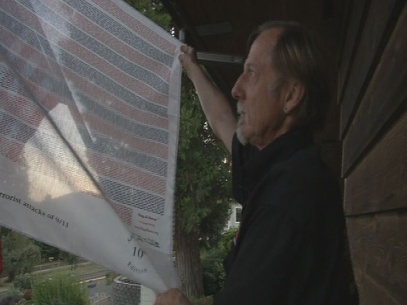 Springfield man honors 9/11 victims with flag display