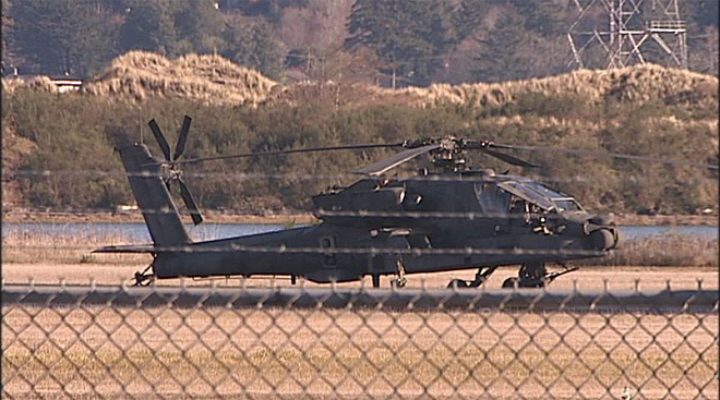 Apache helicopters at airport in North Bend (4)