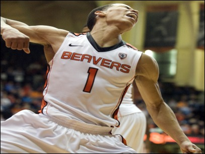 Beavers lead Pac-10 after thriller against Arizona