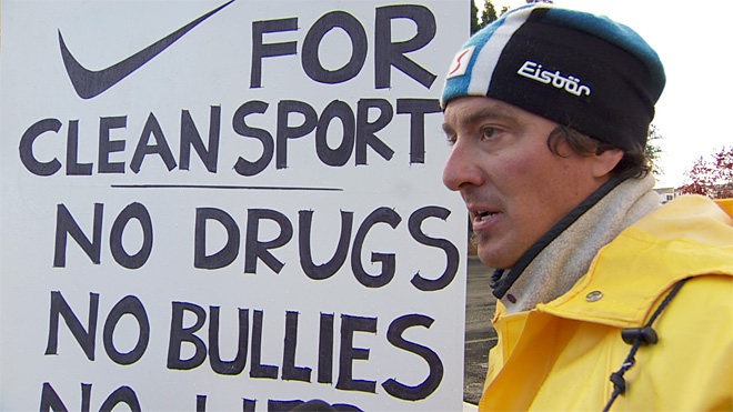 Protesters: Nike should cut ties with Lance Armstrong