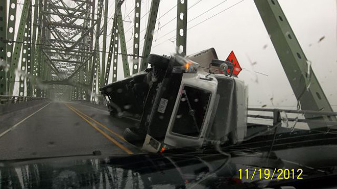 Astoria Bridge crash (3)