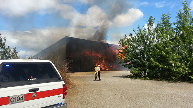 Barn filled with 400 tons of hay catches fire west of Eugene