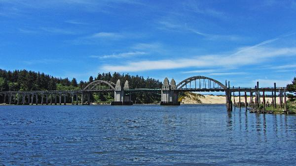 Beatiful scenery around the Suislaw River Bridge submitted by YouNews photographer themom51