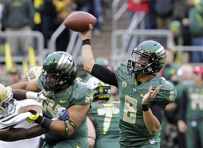Oregon at No. 2 behind 'Bama in BCS poll