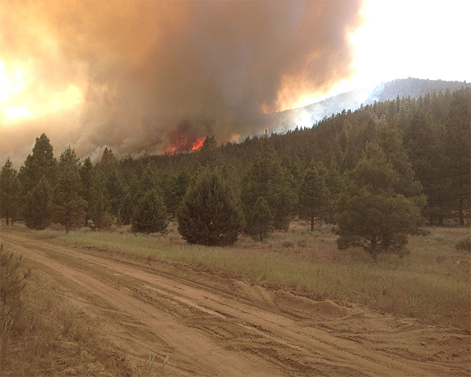 Wildfire burning out of control in southern Oregon