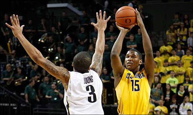 Mathews scores 32, Cal beats No. 17 Oregon 96-83