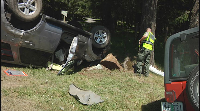 Car and Jeep collide on Fox Hollow on May 6 2013 (3)