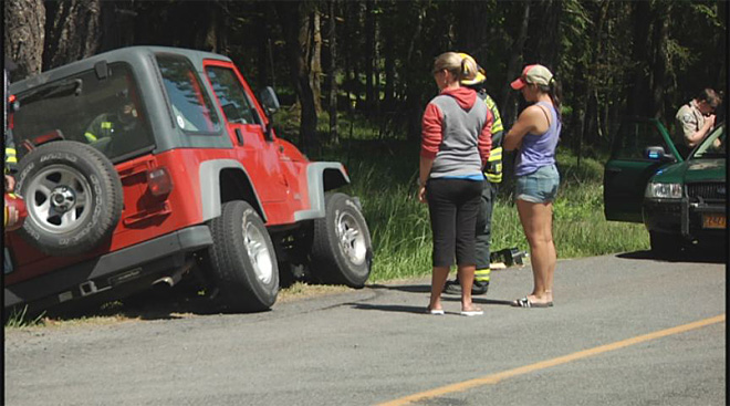 Car and Jeep collide on Fox Hollow on May 6 2013 (6)