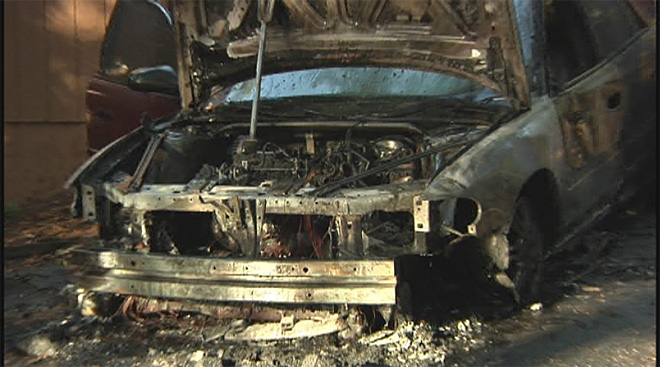 Car completely destroyed by flames in Eugene south hills 1