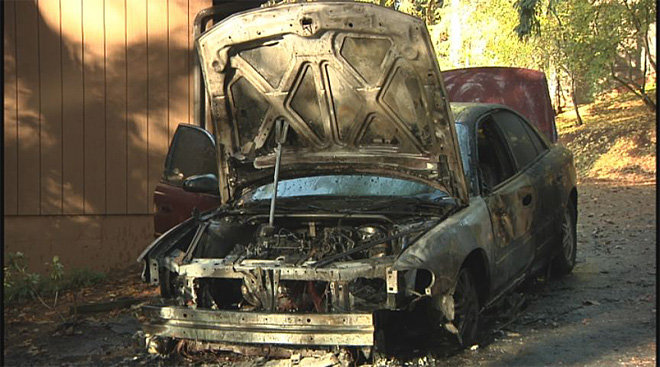 Car completely destroyed by flames in Eugene south hills 2