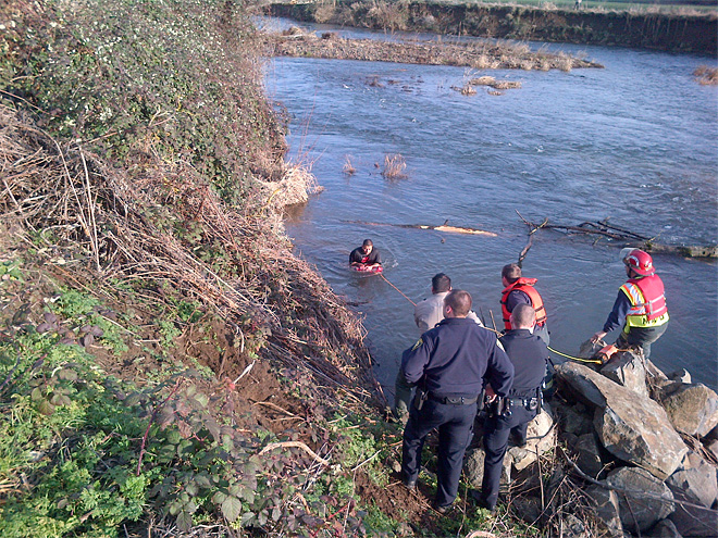 Sheriff: Drunk driver tries to hide in river after crashing car
