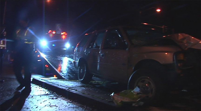 Driver cited for DUI after SUV hits traffic signal pole