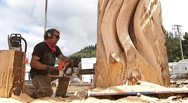 Chainsaw carver Jeffro Uitto (4)