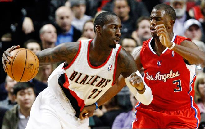 Clippers hold off Blazers rally for 103-90 win
