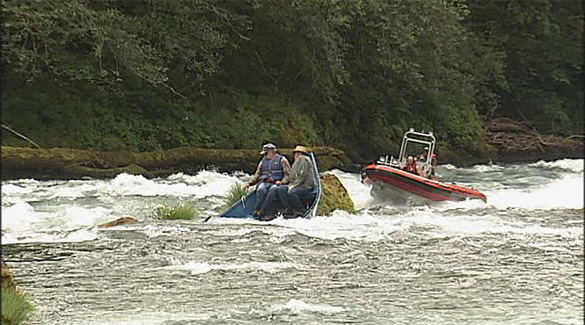 Coast Guard helicopter rescues Earl and Bob from stuck drift boat on McKenzie River July 20 (6)